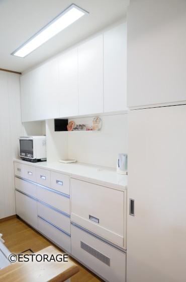 タテ型のゴミ箱もスッキリ収納できたオリジナルキッチン収納