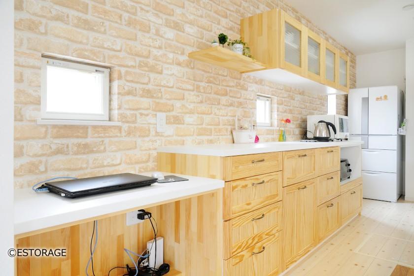 収納とインテリアの理想を実現した食器棚
