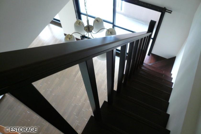 階段が収納になったオーダー家具