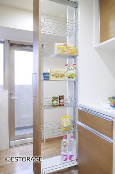 使いやすさと見た目を兼ね備えたキッチン収納