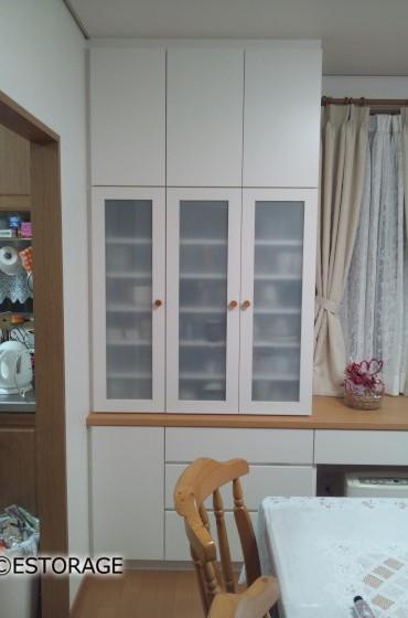食器棚として使用している収納スペース