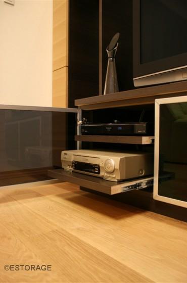 リビングに溶け込むテレビボード