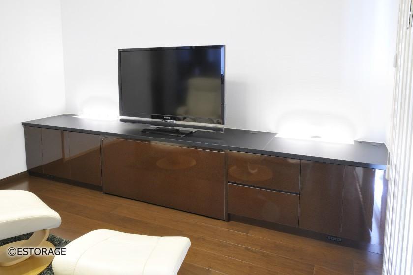 既存スピーカー付TVラックを組み込んだTVボード