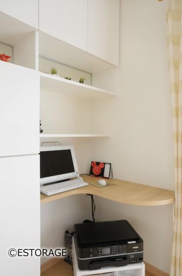 キッチンカウンターと統一 ダイニング収納