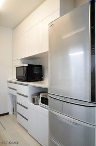 使い勝手にこだわったシンプルなキッチン収納