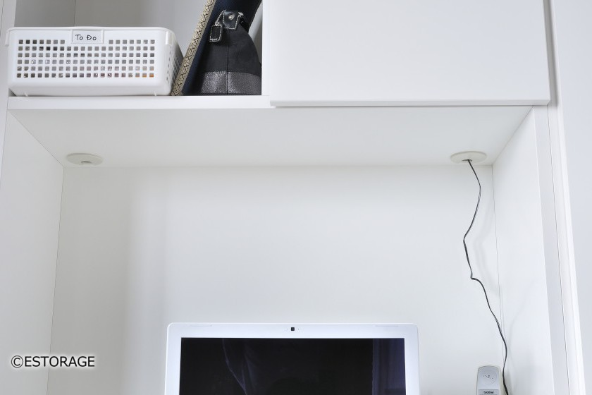 シンプルで収納力のあるパソコンデスク付ダイニング壁面収納