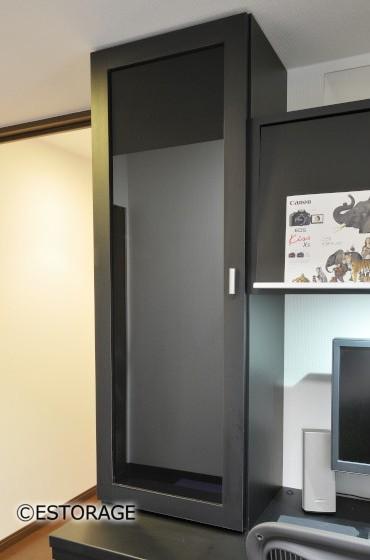 シンプルなデザインの収納スペース