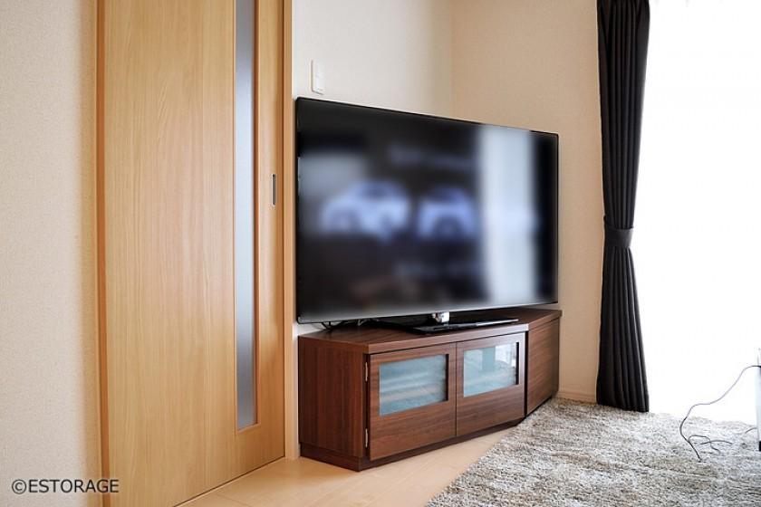 多角形のコーナーテレビボード