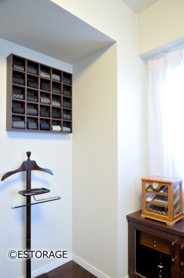 お洒落な書斎デスクと壁面収納