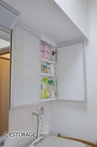 洗濯機上に設置した吊り戸棚