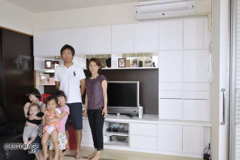 家族みんなで使えるデスク付壁面収納