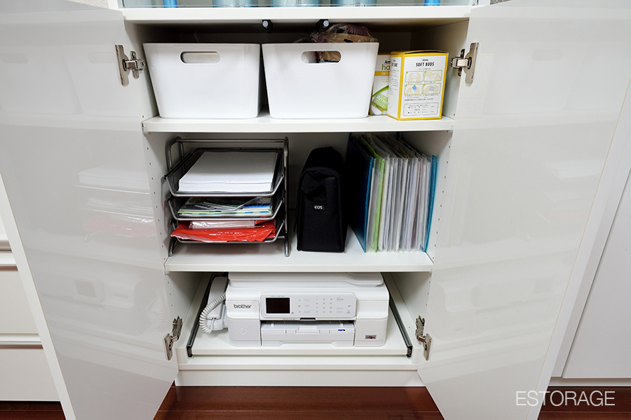 プリンターや書類の収納スペース