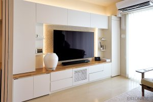 """新しい暮らしの漠然とした要望が""""理想的な壁面収納""""となって、わが家に。"""