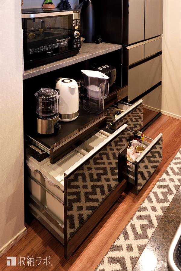 機能的な収納を実現した、オーダーメイドの食器棚。