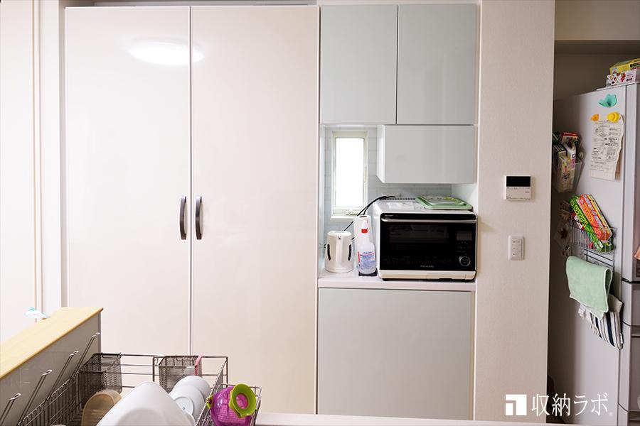 快適な子育てを意識して作ったオーダーメイドの食器棚。