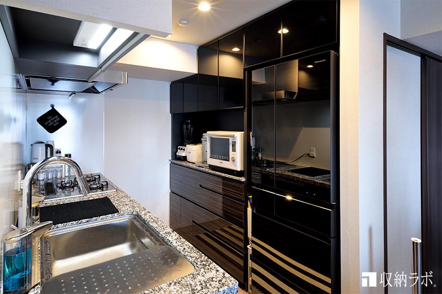 震災の経験があるから、安心して暮らせるキッチン収納が理想でした。