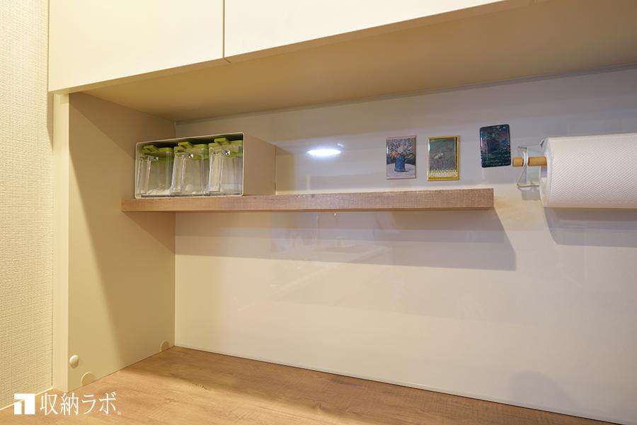 食器棚のマグネットボードと棚板