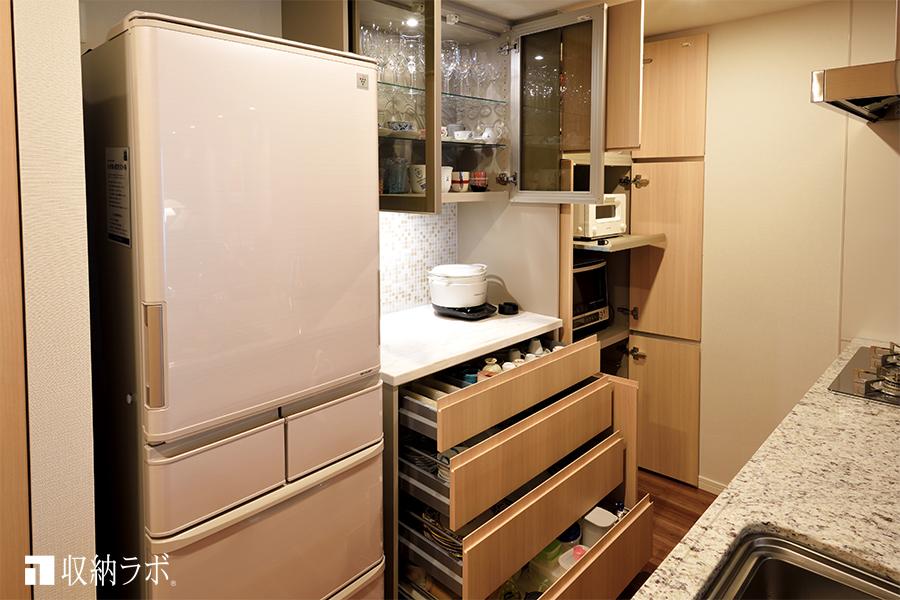 オーダーメイドのキッチン収納