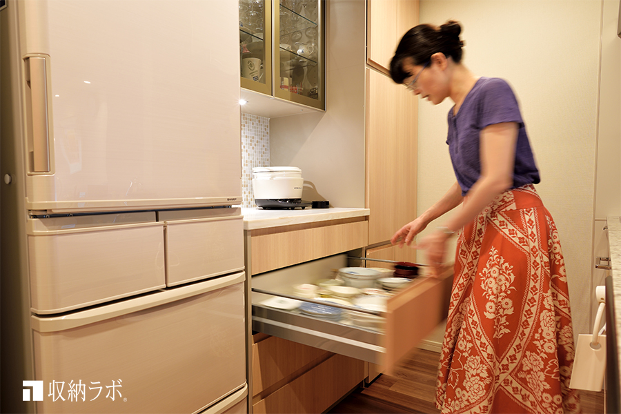 機能的な収納を叶えたオーダーメイドの食器棚