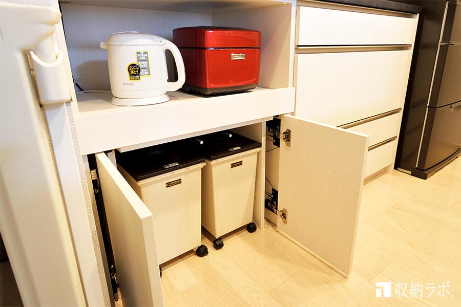 キッチン収納にゴミ箱を収納