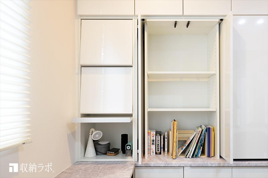 オンとオフ両方の機能性とデザイン性を実現した壁面収納。