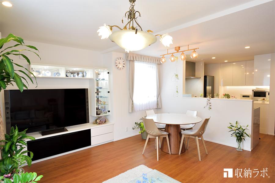 キッチンとリビングのインテリアの統一感を意識したオーダー家具