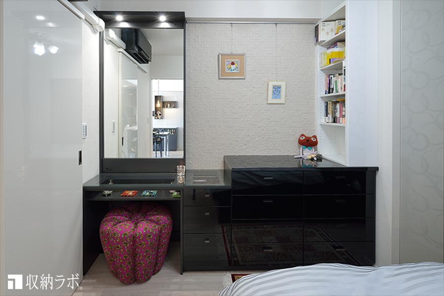 ドレッサーを組み込んだ寝室のオーダー家具−2