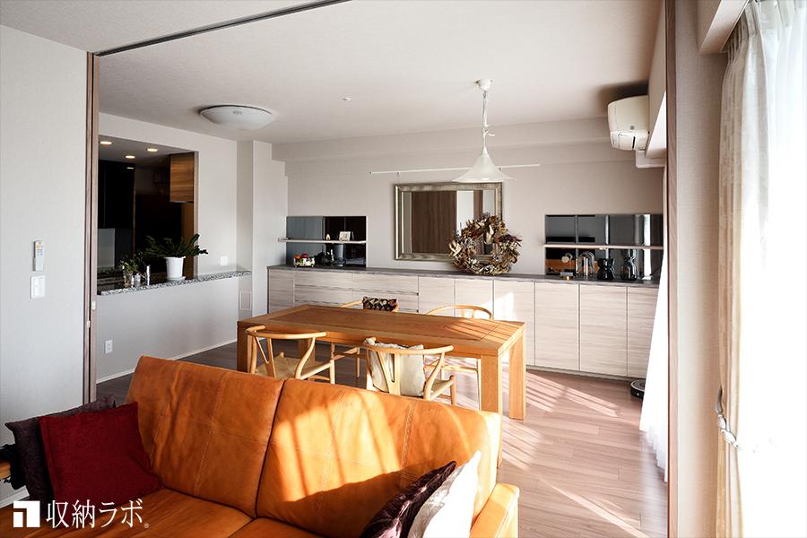新しい部屋に合わせて作ったオーダー家具がある暮らしは快適。
