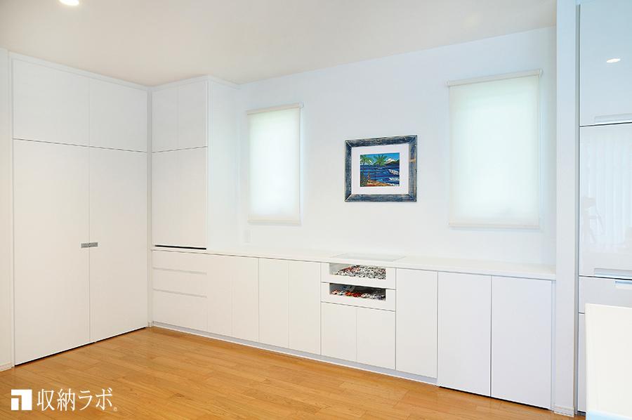 ワークスペースと収納スペースが一体になったオーダー家具。