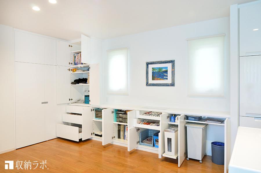 収納グッズに合わせて設計された、収納するスペース。