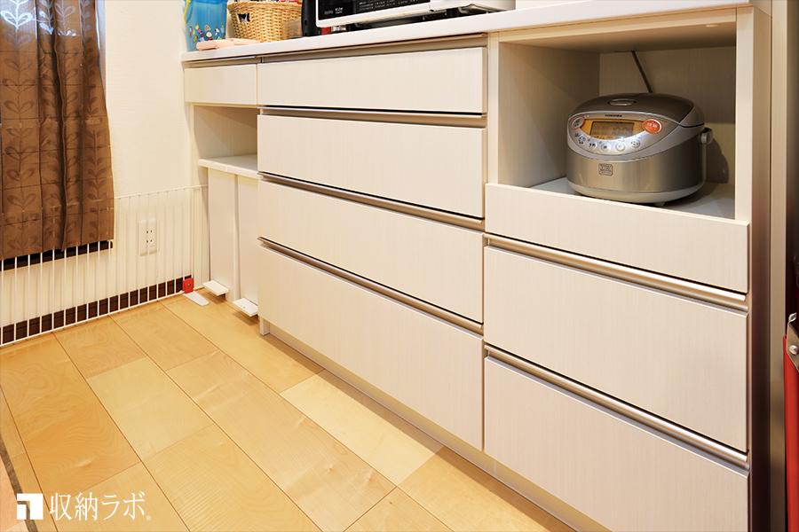 ゴミ箱の収納スペースを作って、キッチンが広く快適に。