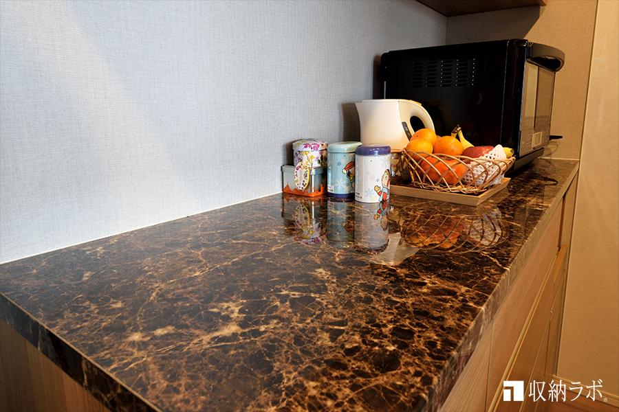天板の素材は、ショールームの展示家具と同じ素材選択。
