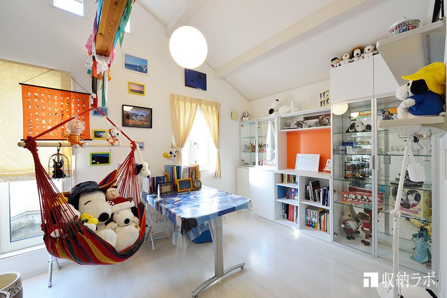 世界中で好きを集めたコレクションルームを叶えた壁面収納。