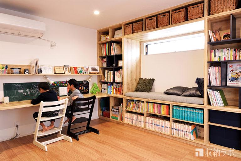 デスクと本棚が一体になったL字のオーダー家具