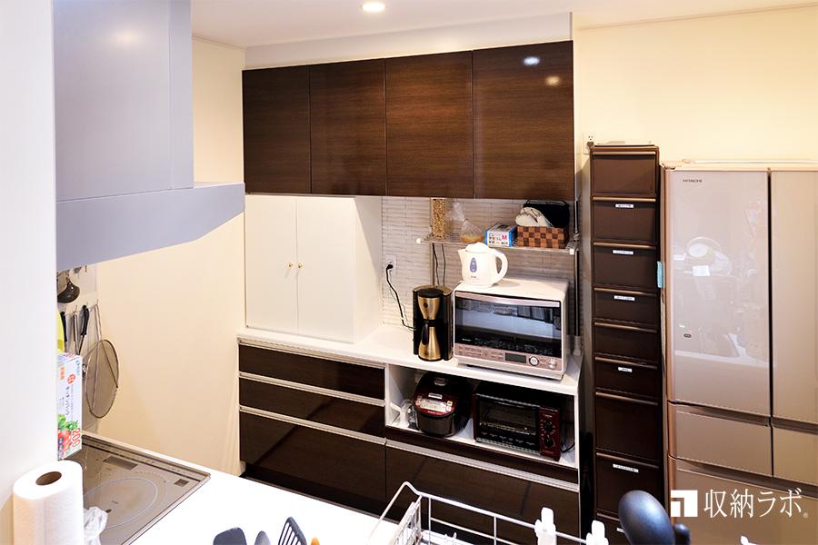 追加した収納で、すっきり片付いたキッチン
