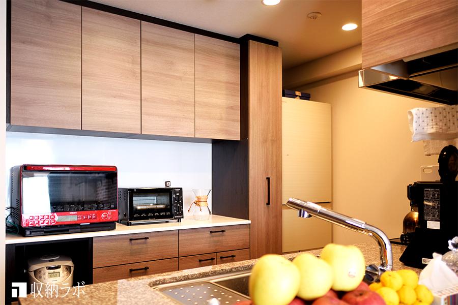 機能的な収納と統一感のあるインテリアを叶えたオーダーメイドの食器棚