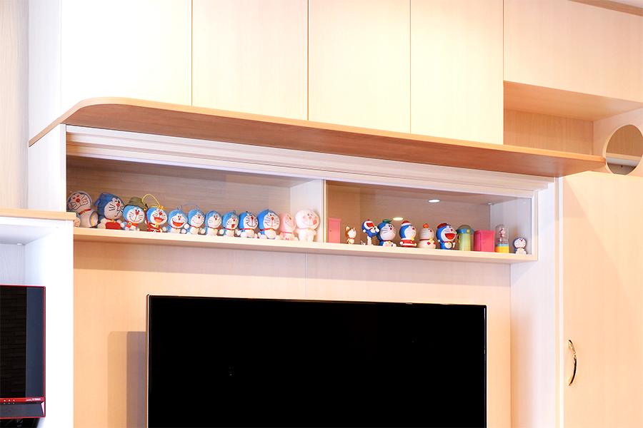 壁面収納の飾り棚